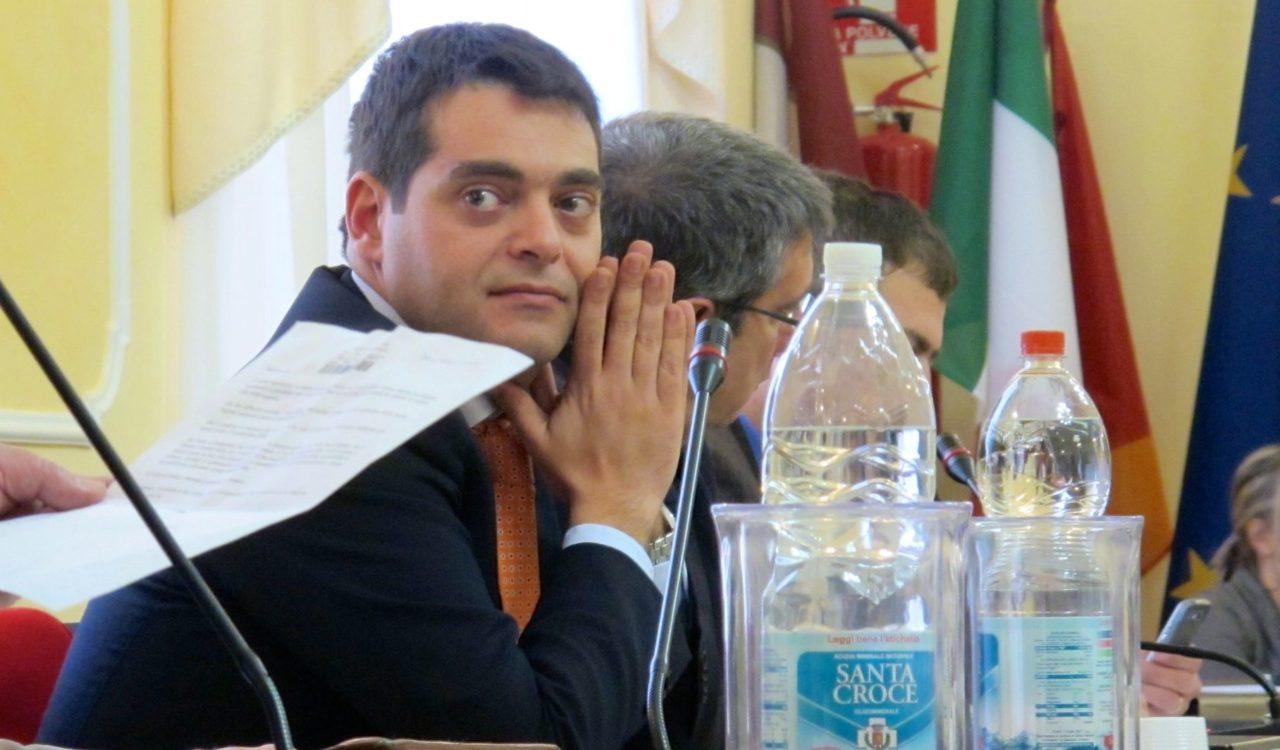 Il sulmonese iannamorelli scovato dai cinque stelle tra for Commissione bilancio camera dei deputati