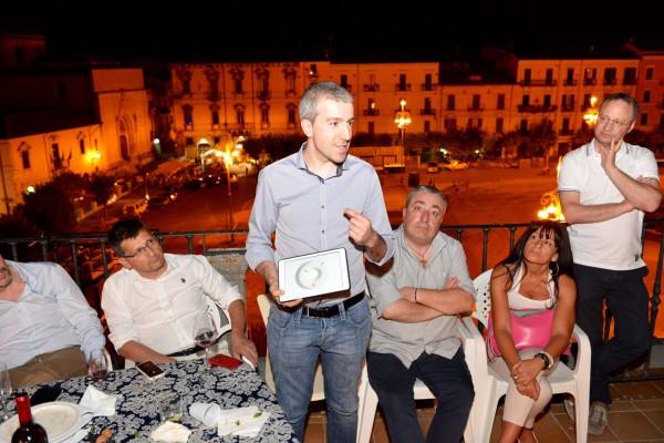 Gaudenzio Ciotti illustra il progetto dell'orologio vincitore del premio Illy