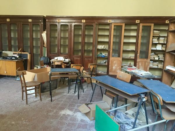 La biblioteca del classico in completo abbandono