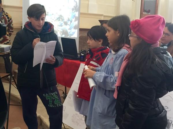 I bambini coinvolti nel progetto leggono le loro riflessioni