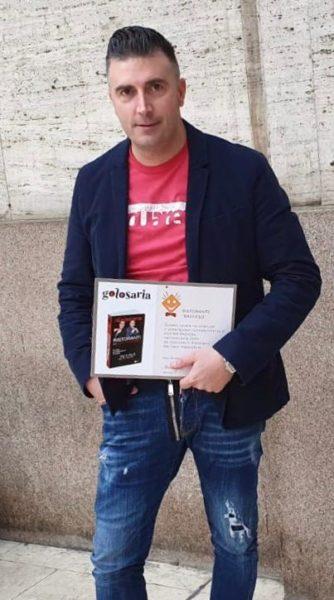 William Zonfa con il riconoscimento ricevuto